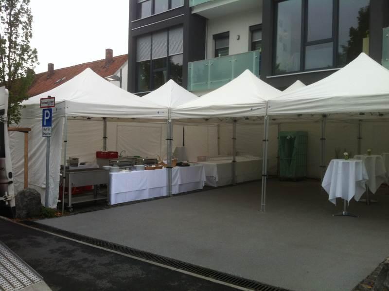 Faltpavillon Catering